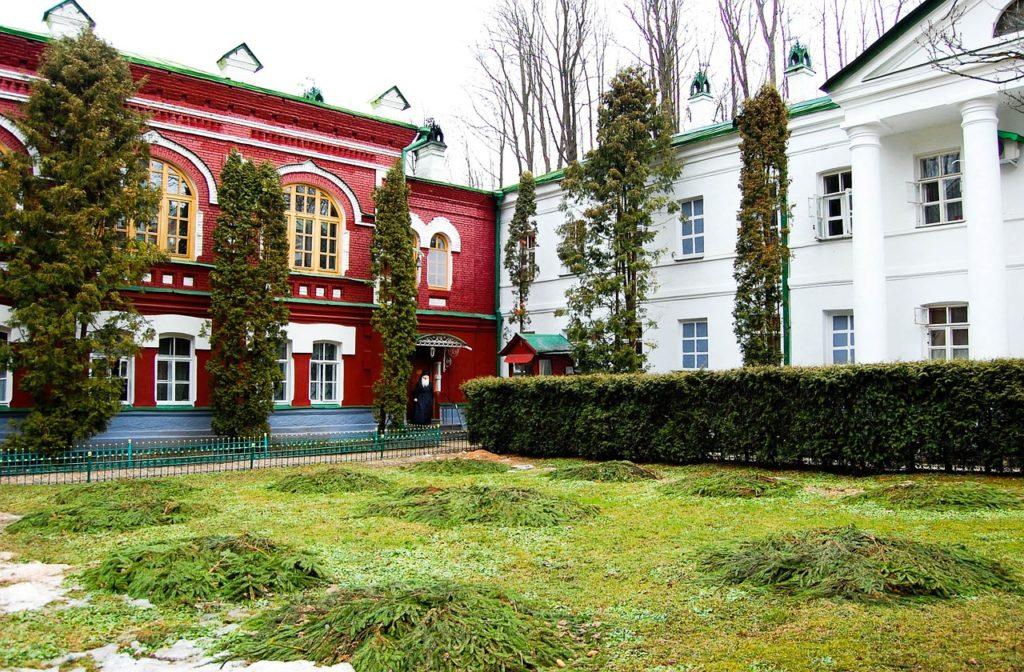 Псково - Печерский монастырь в Пскове