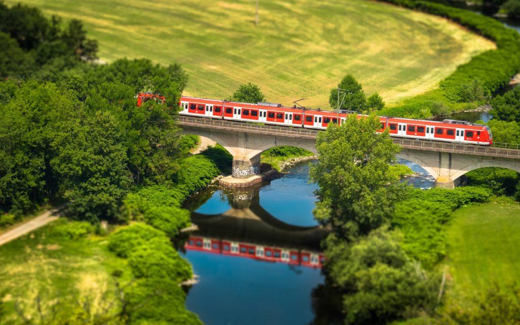Как купить дешевый билет на поезд ржд, как сэкономить?